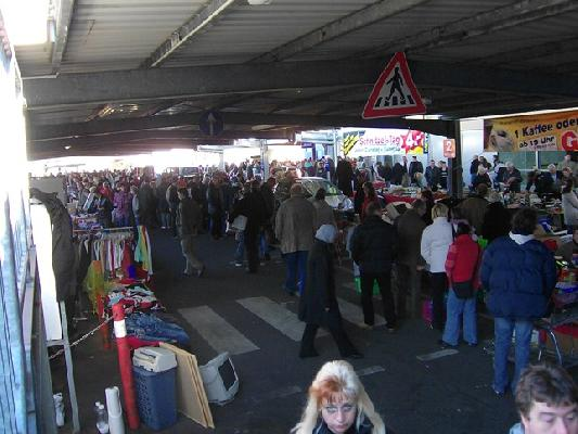 Flohmarkt in Hamburg Harburg - Metro - Foto 1