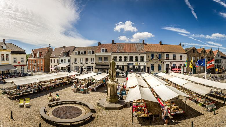 Boekenmarkt Damme - Foto 2